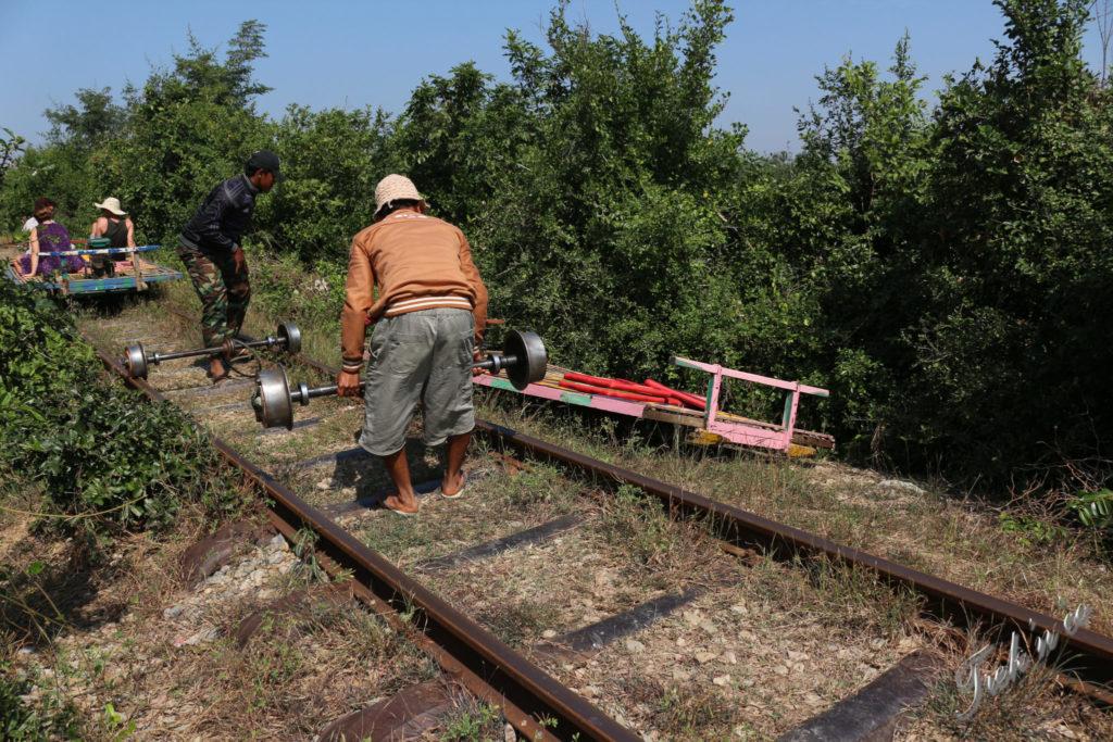 Bamboo train_2